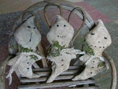 232e Primitive Halloween Ghost ornament doll by Crowsroostprims