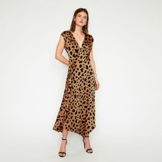 Warehouse Casual and day dresses for Women Mens Fashion Now, Latest Fashion Clothes, New Outfits, Dress Outfits, Courier Collection, Button Skirt, Print Wrap, Trending Now, Day Dresses