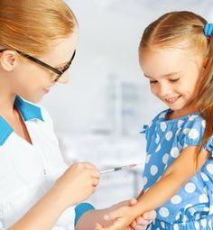 Det blir lettere å få erstatning ved vaksineskade etter anbefalt vaksine Letter, Face, The Face, Faces, Letters, Writing, Facial