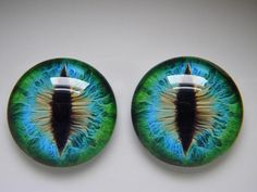 Your place to buy and sell all things handmade - Reptile eye- Glass eyes green eyes cat eyes animal eyes realistic eyes Les Reptiles, Reptiles And Amphibians, Types Of Chameleons, Reptile Eye, Realistic Eye, Young Animal, Dragon Eye, Enamel Paint, Green Eyes