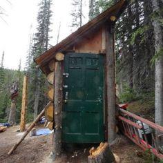 Log Cabin by Tyler Danann http://www.cabinbuilds.net/log-build-by-tyler-danann