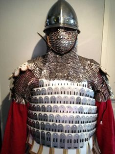 Reconstructed Byzantine lamellar armor from century Lamellar Armor, Sca Armor, Armor All, Medieval Armor, Body Armor, Byzantine Army, Varangian Guard, Military Costumes, Armor Clothing