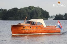 Classic Wooden Boats, Deck Boat, Cabin Cruiser, Speed Boats, Motor Boats, Glamping, Vintage, Boats, Classic