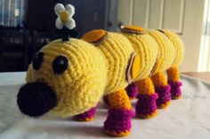 damn it Janet, let's crochet!: Wiggler Plushie and other mario bros plushies too Amigurumi Free, Crochet Amigurumi, Amigurumi Patterns, Crochet Dolls, Crochet Patterns, Knitting Patterns, Crochet Gratis, Free Crochet, Knit Crochet