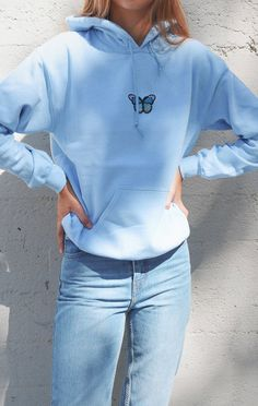 Butterfly Hoodie - Light Blue - Lilly is Love Trendy Hoodies, Cool Hoodies, Outfits With Sweatshirts, Mode Outfits, Outfits For Teens, Sweatshirt Outfit, T Shirt, Oversized Hoodie Outfit, Celebrity Casual Outfits