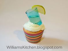 Williams Kitchen - Made with love: Fiesta Margarita Cupcakes shots Margarita Cupcakes, Love Cupcakes, Glow Sticks, Mexican Food Recipes, Party Time, Nom Nom, Alcoholic Drinks, Goodies, Cinco De Mayo