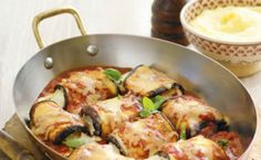 Baked eggplant and ricotta rolls - Three cheeses help create the creamy and delicious flavours in this meat-free main. Eggplant Rolls, Baked Eggplant, Vegetarian Recipes, Cooking Recipes, Healthy Recipes, Greek Recipes, Italian Recipes, Aubergine Mozzarella, Queso Mozzarella