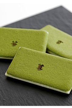 Cha-Nô-Ka __ Japanese biscuits  green tea cookie sandwiched with a white chocolate filling – called Cha No Ka. The biscuits are wafer thin, and have a texture reminiscent of macarons. The slight bitterness of the macha mixed with the premium white chocolate created a taste sensation that is simply sensational.