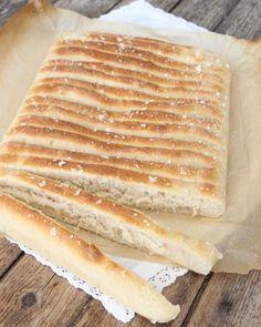 Calzone – inbakad pizza – Lindas Bakskola Sandwich Cake, Sandwiches, Hot Dog Buns, Hot Dogs, Calzone, Eat, Paninis