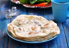 Check out these chapati. Pan Indio, Popular Indian Food, Cooking Tips, Cooking Recipes, Oatmeal Cake, Whole Wheat Pita, Korma, Comida Latina, Pan Dulce