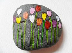 Decorative Rocks : Spring tulips Hand painted paperweight Acrylic miniature painting on a large beach pebble Pebble Painting, Pebble Art, Stone Painting, Rock Painting Ideas Easy, Rock Painting Designs, Stone Crafts, Rock Crafts, Caillou Roche, Pierre Decorative
