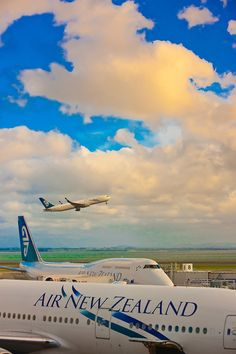 Air New Zealand jets, Auckland Airport, Auckland, New Zealand Places To Travel, Places To See, New Zealand Holidays, Airplane Photography, Passenger Aircraft, Air Photo, Air New Zealand, Commercial Aircraft, The Beautiful Country