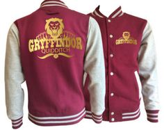 Vintage style Harry potter Inspired Gryffindor House varsity jacket with gold emblem in front and back. by iganiDesign on Etsy Styles Harry, Harry Potter Style, Harry Potter Outfits, Harry Potter Jacket, Style Vintage, Vintage Fashion, Moda Geek, Harry Potter Accesorios, Varsity Jacket Outfit