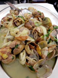 What to eat in Portugal: Clams at Restaurante 1/4 Prás 9