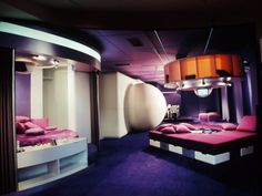 A room designed by Joe Colombo