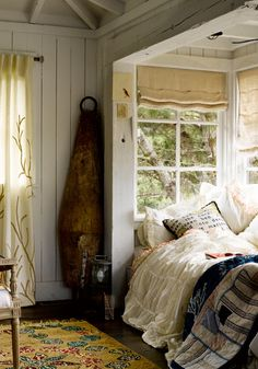 A Rustic bedroom nook. Love how bed is nestled in the windows. Idea if ever build a new house. Bed Nook, Bedroom Nook, Cozy Nook, Home Bedroom, Bedroom Decor, Alcove Bed, Cozy Corner, Design Bedroom, Upstairs Bedroom