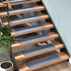 Tucker Murphy Pet Beardsley Scrape Rib Non-Slip Stair Tread Colour: Grey Tiled Staircase, Metal Stairs, Floating Staircase, Wooden Stairs, Staircase Design, Staircase Ideas, Modern Staircase, Stair Tread Rugs, Carpet Stair Treads
