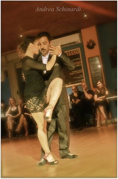 Show Lucas Galera & Sara Cappai nelle foto di Andrea Schinardi | Tacchi Solitari