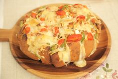 Καρβελάκι πίτσα Baked Potato, Potatoes, Baking, Ethnic Recipes, Food, Bakken, Eten, Bread, Potato