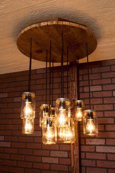 Einmachglas Kronleuchter mit aufgearbeiteten von Bornagainwoodworks