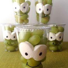 Kids treats with fruit - Healthy Food Art Snacks Für Party, Party Treats, Healthy Birthday Snacks, Birthday Treats For School, Food Humor, Cute Food, Creative Food, Halloween Treats, Baby Food Recipes