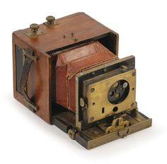 Miniature hand camera, European; 4. 5 x 6 cm.