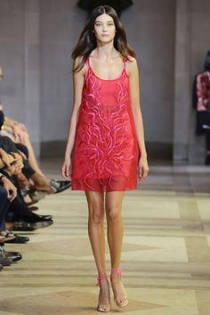 Carolina Herrera Spring 2016 Ready-to-Wear Fashion Show - Sanne Vloet