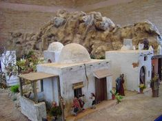 making accessories for christmas villages Christmas Village Display, Christmas Nativity Scene, Christmas Villages, Christmas Crib Ideas, Christmas Wreaths, Christmas Decorations, Xmas, Nativity House, Fontanini Nativity