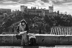 Pintando en el mirador de San Nicolas, con la Alhambra de fondo