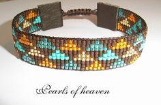 bead loom, gewebtes Armband mit kleinen Dreiecken