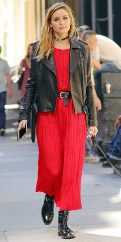 Who made Olivia Palermo's red pleated maxi dress? Estilo Olivia Palermo, Olivia Palermo Style, Fall Fashion Trends, Autumn Fashion, Fall Outfits, Casual Outfits, Look Fashion, Womens Fashion, Fashion Styles