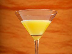 Mango Martini  30 ml (1 oz) Vodka 30 ml (1 oz) Triple Sec 60 ml (2 oz) Mango Puree 10 ml (1/3 oz) Lime Juice 10 ml (1/3 oz) Sugar Syrup Crushed Ice