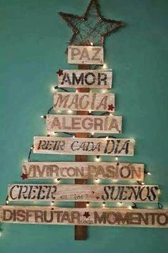 La navidad se acerca y hay que pensar en las decoraciones que se inician en ocho de diciembre. Este año me incliné particularmente por los diseños rústicos, madera, piñas, arpillera, palos y semill…