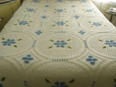 #6049 OLD VINTAGE CHENILLE BEDSPREAD SIZE 93x99