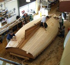 """Building the A Class Catboat """"Spyder"""" Kayaks, Boat Kits, Naval, Boat Stuff, Wooden Boats, Boat Building, Butcher Block Cutting Board, Cabana, Sailboat"""