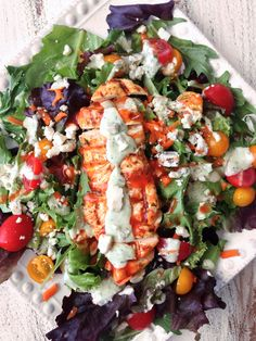 Make the avocado ranch with greek yogurt and change up the reduced fat blue cheese with a cleaner option. Skinny Grilled Buffalo Chicken Salad & Avocado Ranch — The Skinny Fork Think Food, I Love Food, Good Food, Crazy Food, Yummy Food, Healthy Salads, Healthy Eating, Healthy Recipes, Fast Recipes