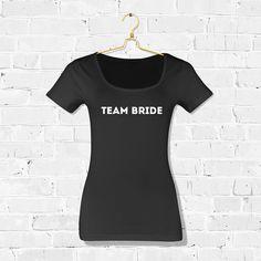 T-shirt Team Bride Industrial / T-shirt Team Bride Industrieel / Shop all your bacheloretteparty items at: https://www.weddingdeco.nl/