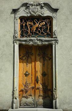 amazing door Gdansk Poland - Hermosa la puerta y el marco, toda una obra de arte
