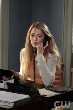 """""""Memoirs of An Invisible Dan"""" GOSSIP GIRL Pictured Blake Lively as Serena Van Der Woodsen PHOTO CREDIT: GIOVANNI RUFINO/THE CW ©2011 THE CW NETWORK. ALL RIGHTS RESERVED."""