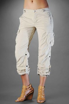 TRUE RELIGION WIDE LEG JEANS Womens Sammy Cargo Pants Light Brown