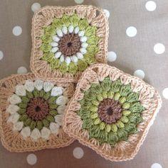 theemptynest_uk Another cushion cover is in progress this morning  #crochet #crochetgeek #crochetaddict #crochetstagram #crochetastherapy #instacrochet #sunburstgrannysquare #stylecraftspecialdk