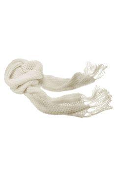 http://sklep.aryton.pl/szal-dzianinowy-w-kolorze-mlecznej-bieli.html