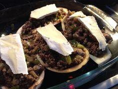Foto 6: ...ein wenig Käse oben drauf. Danach in den Ofen für ca. 30 Minuten (einfach schauen, wann es gar ist. Kann man gut sehen)...