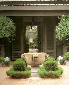 Stephen Falcke;s garden entrance