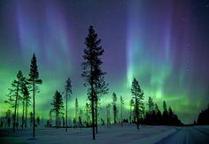 A aurora boreal fotografada nas primeiras horas da manhã no Círculo Polar Ártico.