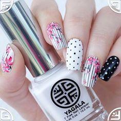 Spring nails with YaGala nail polishes . . Весенний дизайн моими лаками.