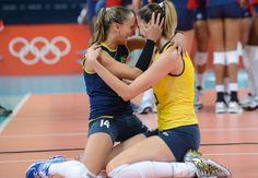 (Brazilian volleyball Olympic team) Vôlei feminino é ouro! Relembre como foi a campanha da seleção de Zé Roberto!
