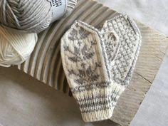 Crochet Butterfly Free Pattern, Crochet Shawl Free, Crochet Shell Stitch, Knit Crochet, Knitting Kits, Knitting For Kids, Knitting Patterns Free, Free Knitting, Baby Knitting