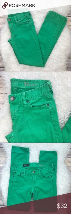 """J. Crew Matchstick Kelly Green Jeans Good condition J. Crew Matchstick Jean in Kelly Green garment dyed Denim. Size 24. Stretchy 98% cotton, 2% elastane. Sits lower on hips, slim through hip and thigh with a slim, straight leg. Waistband 28"""", rise 6.5"""", inseam 30"""". No trades, offers welcome. J. Crew Jeans Straight Leg"""
