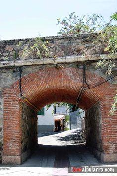 Arco en Órgiva Arch, Houses